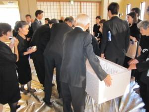 「家族葬」の流れ12