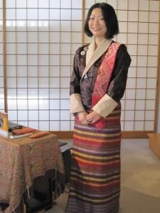 民族衣装の田中敏恵さん