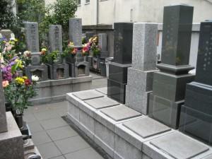 明順寺:墓地の様子