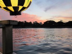 屋形舟から見る夕焼け